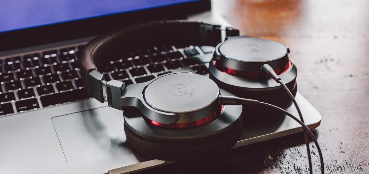 Cele mai bune casti, microfoane si sisteme wireless pentru vlogging