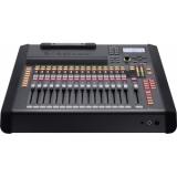 Consola-mixer digital 32 canale Roland M-200i