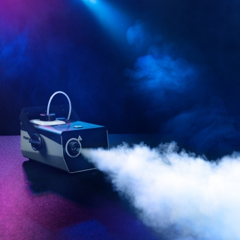 Cameo PHANTOM F3 Fog Machine with 950 W Heating Output and Internally Illuminated Fluid Tank #6