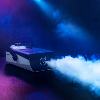Cameo PHANTOM F5 1500 W High Output Fog Machine with Two-Color Tank Illumination #9