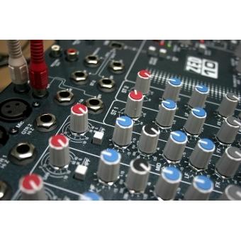 Mixer Allen & Heath ZED 10FX #4